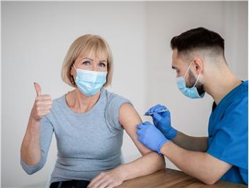 Die Impfungen laufen auf Hochtouren (Foto: 123rf)