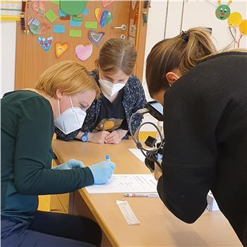 Antigen-Selbsttests in Grundschulen erfolgreich gestartet